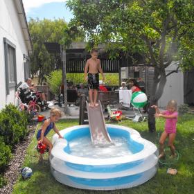 3 astuces pour bien entretenir une piscine gonflable et la garder plus longtemps