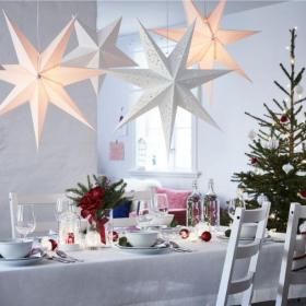 Ikea vient de sortir sa collection de Noël, et ça nous donne très envie de décorer la maison