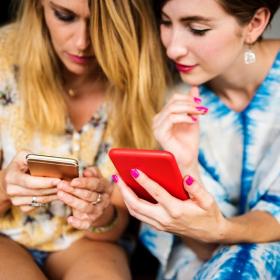 3 conseils pour soulager ses yeux quand on regarde tout le temps l'écran de son téléphone