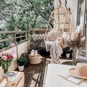 12 idées stylées pour décorer son balcon