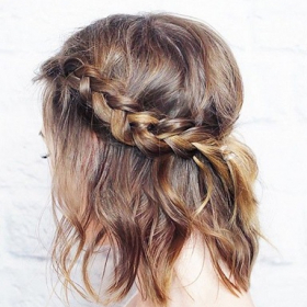 8 coiffures d'été à adopter quand il fait chaud