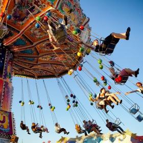 Job de rêve : être payé 3 000€ pour tester des parcs d'attractions