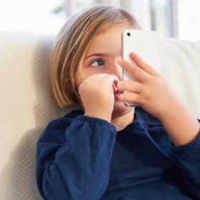 Smartphone pour enfant : à quel âge lui offrir son premier téléphone ?