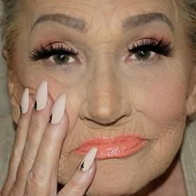 Cette mamie de 80 ans demande à sa petite-fille de la maquiller et fait le buzz