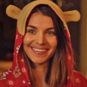 Netflix vient de dévoiler la bande-annonce de sa série Home For Christmas saison 2