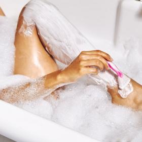 Si vous avez cette mauvaise habitude quand vous vous rasez, il est temps d'arrêter !