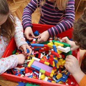 D'ici 2030, toutes les briques LEGO seront fabriquées en canne à sucre