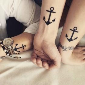 22 tatouages ancres qui vous rappelleront de rester bien amarré