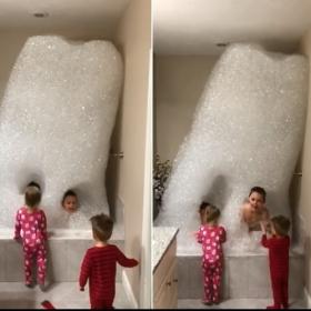 Ce papa génial construit un mur de mousse pour convaincre ses enfants d'aller prendre le bain