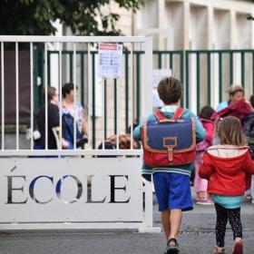 10 phrases imparables à dire à votre enfant s'il ne veut pas retourner à l'école