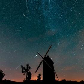 Ce soir, pensez à regarder le ciel pour observer la pluie d'étoiles filantes des Perséides