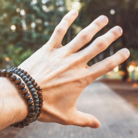 10 bracelets à offrir à votre homme pour lui montrer que vous tenez à lui