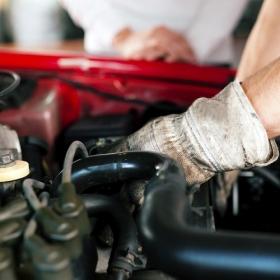 Pourquoi ça vaut parfois le coup d'essayer de réparer sa voiture soi-même