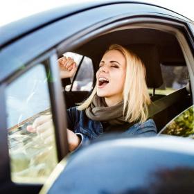 Conduire en chantant rend plus heureux et permet de rester en bonne santé