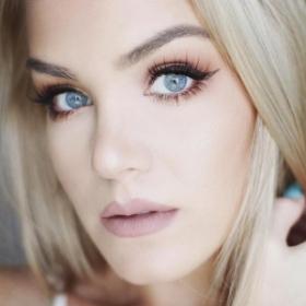 22 photos qui montrent que l'eyeliner va à toutes les femmes