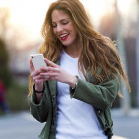 Pourquoi mettre des émojis dans ses messages permet de séduire plus facilement