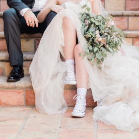 Converse vient de lancer une collection de sneakers de mariage, et on l'adore