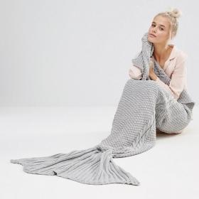Cette couverture sirène est chaude, confortable et si magique que vous allez l'adorer !