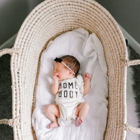 Je n'ai toujours pas trouvé le prénom de mon bébé : 5 astuces pour y arriver