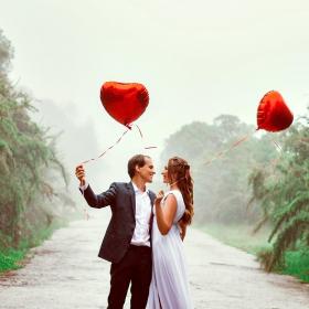 3 façons de voir si la chance sourit à votre couple pour la Saint Valentin