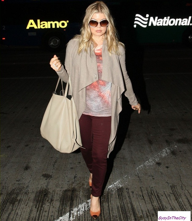 fergie late night airport arrival 03 Un look Fergie sans se ruiner !