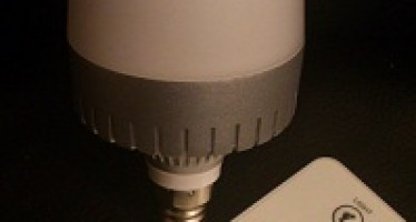 J'ai testé pour vous : l'ampoule musicale bluetooth Awox StriimLight mini