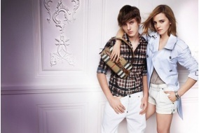 Emma-Watson-campagne-de-pub-sans-jambe