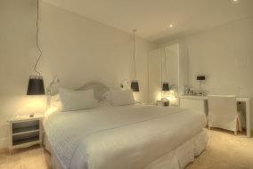 hotel-renoir-prestige-room
