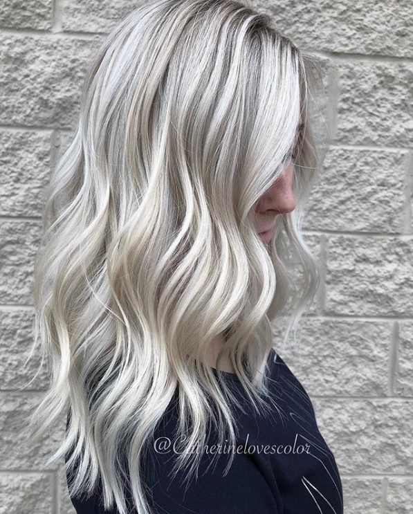 pourquoi vous allez avoir envie de craquer pour la coloration blond polaire so busy girls. Black Bedroom Furniture Sets. Home Design Ideas