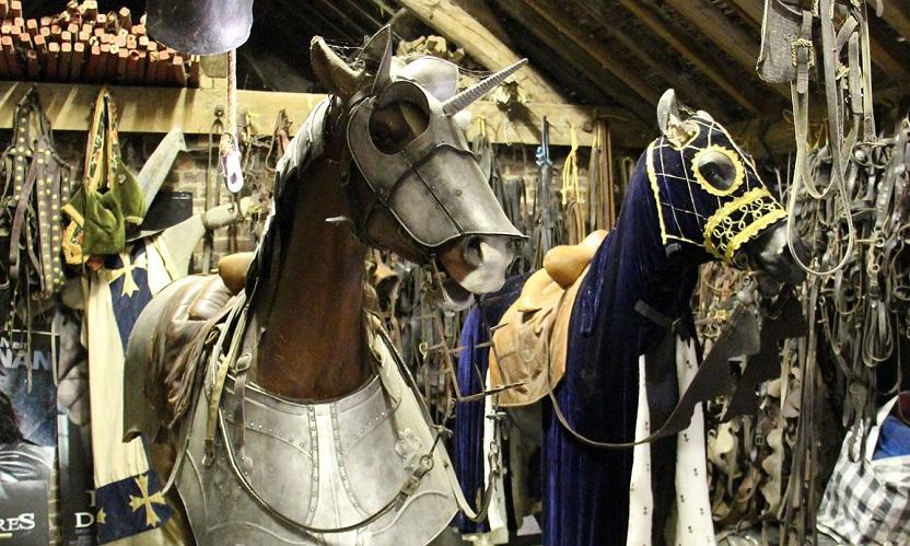 visite-journee-royale-cheval-cascade-cinema