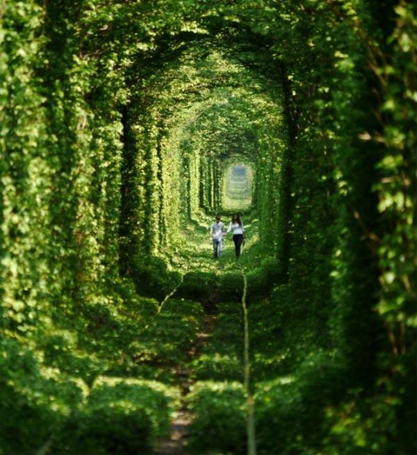 Tunnel-Love-Ukraine-3