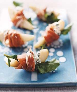 chiffonnade-bleu-et-poires-pour-un-aperitif-en-10-minutes-