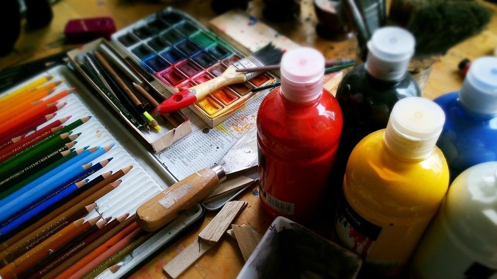 peinture-crayons-de-couleur-creativite