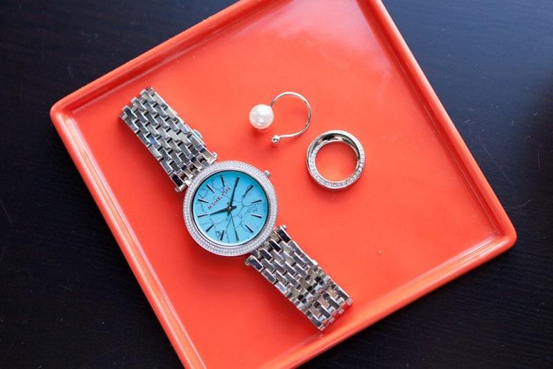 bijoux-femme-montre-moment-parfait