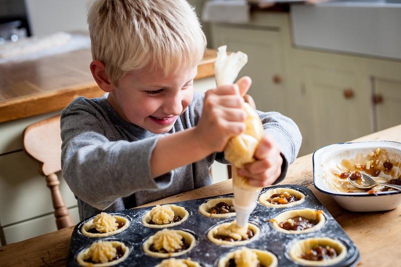 conseil-pour-cuisiner-avec-ses-enfants