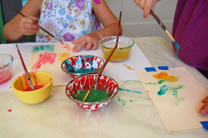 faire-de-la-peinture-enfant