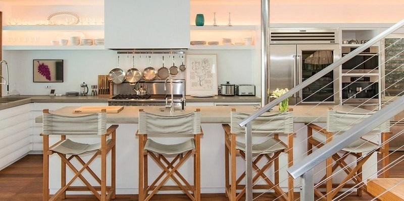 cuisine-ouverte-chaises-de-bar