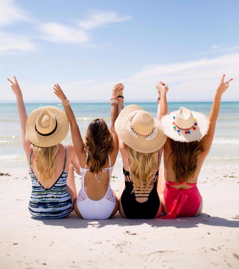 jeunes-femmes-celibataires-sur-la-plage