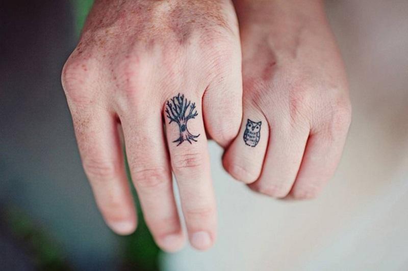 tatouage-doigt-couple_1