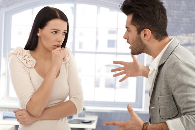 couple-dispute-homme-enerve-relation-toxique-rupture-rompre