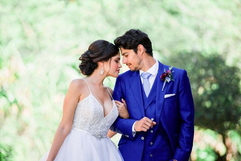 couple-marie-mariage-avantages-inconvenients-se-marier-jeunes-maries