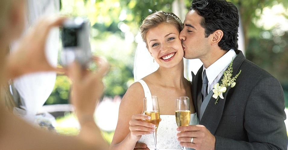 couple-marie-mariage-avantages-inconvenients-se-marier