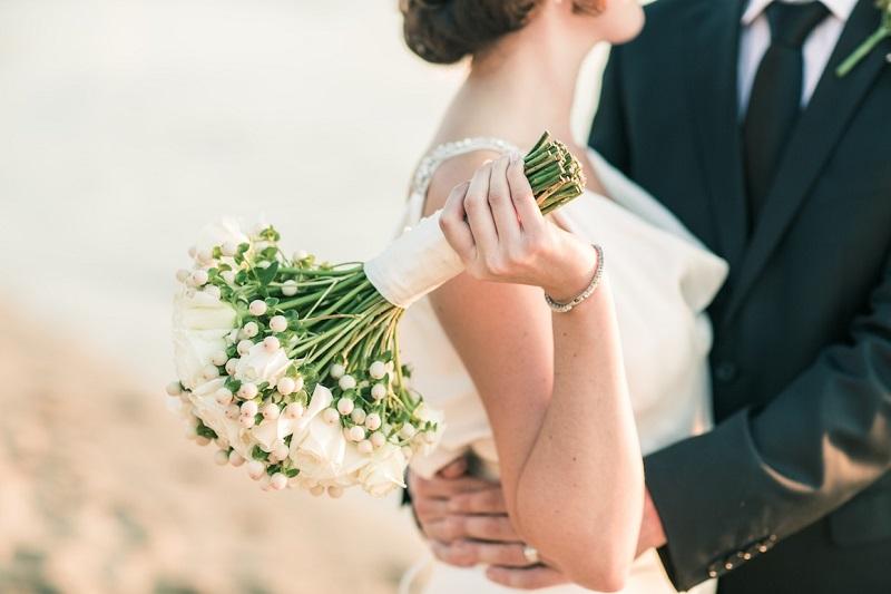mariage-avantages-inconvenients-pour-ou-contre-bouquet-de-mariee