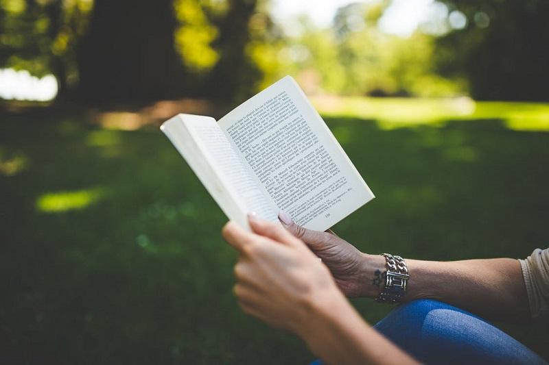 lire-un-livre