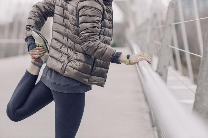 faire-du-sport-pour-eviter-de-tomber-malade-femme-qui-court-running