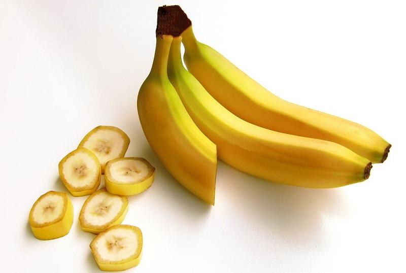 comment-garder-une-banane-coupee-crue-longtemps