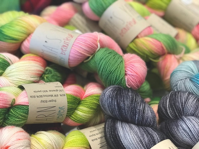 tricoter-tricot-avantages-tutoriel-debutant-laine-comment-tricoter-laine