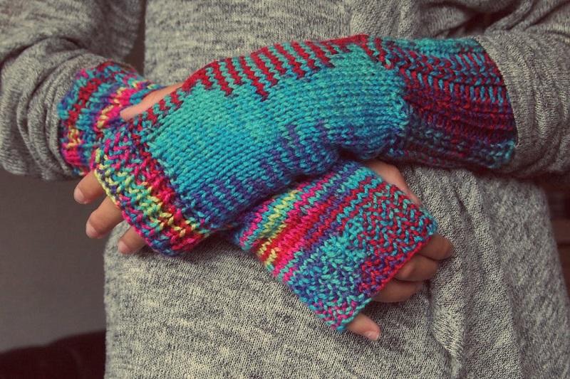 tricoter-tricot-avantages-tutoriel-debutant-laine-comment-tricoter-mitaines