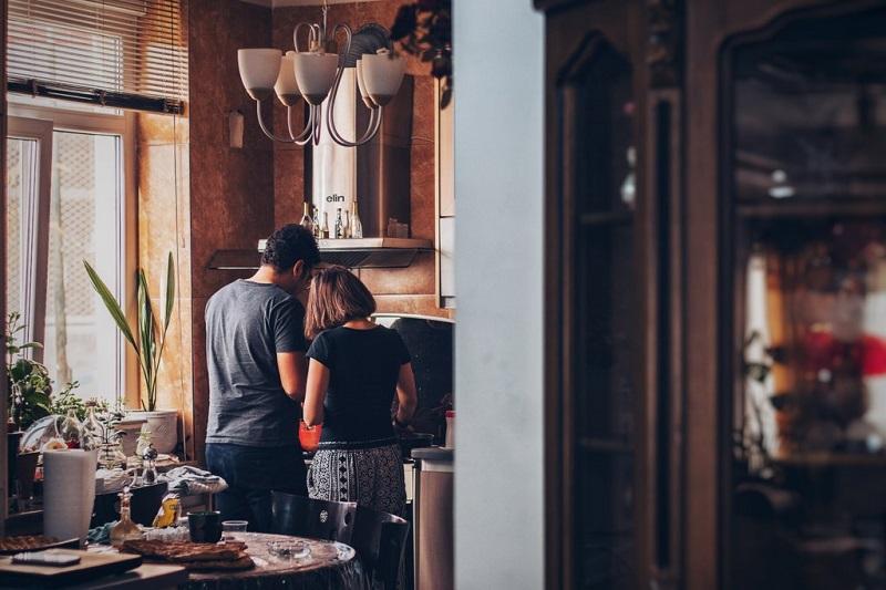 cuisiner-ensemble-couple