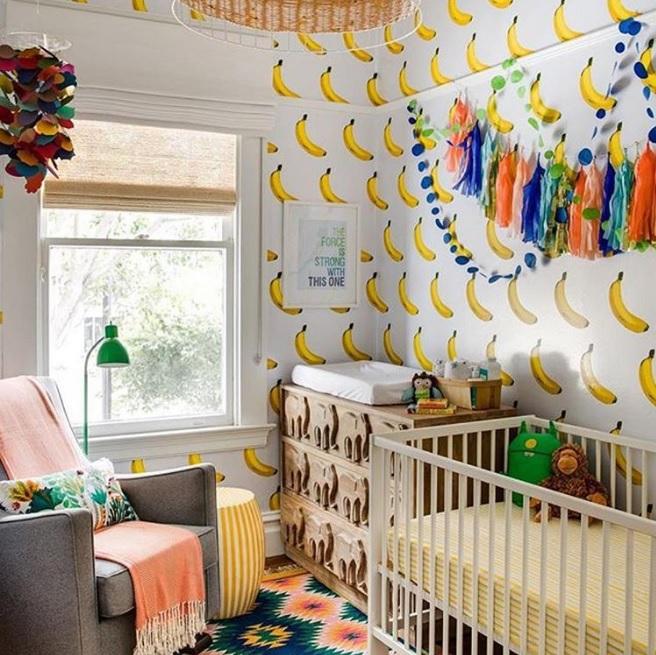 papier-peint-qui-sent-bon-la-banane-chambre-d-enfant